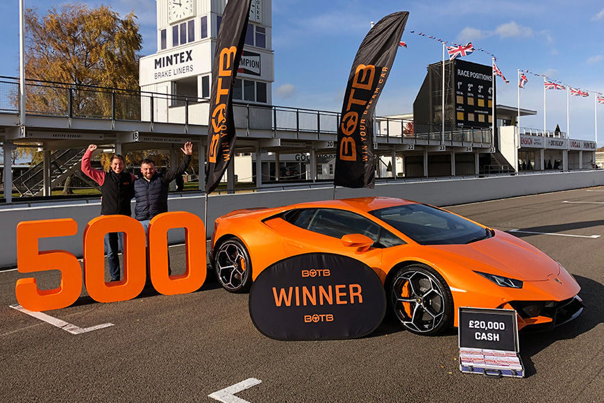 Dream Car Winner 500 - Chris wins Lamborghini Huracan