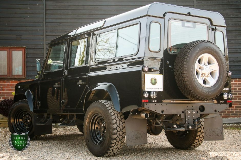 LAND ROVER DEFENDER 110 COUNTY TD